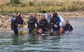 Canyon Lake divers